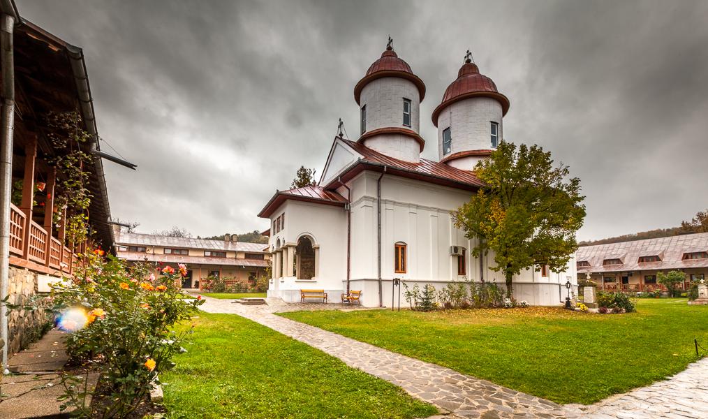 Manăstirea Viforâta